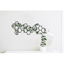 Metalowa kratka na rośliny pnące